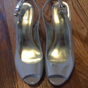 Nude sling back heels sz 8.5